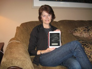 sue_with_new_ipad_mini_1