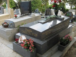 Edith Piaf's grave in Père Lachaise Cemetery.
