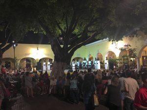 Santa Lucia square at night