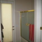 shower doors in the guest bathroom